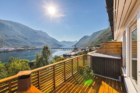 Flott utsikt inn Beisfjorden