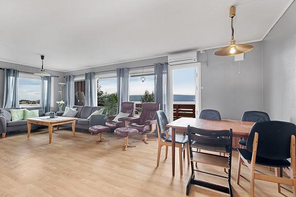 Hovedplan - Spisebord i stue