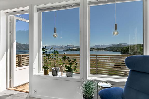 Sjekk utsikten fra stuevinduet!