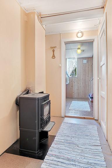 Vedovn er også plassert i gangen i underetasjen