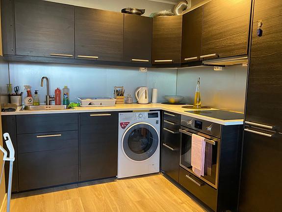 Kjøkken med integrete hvitevarer