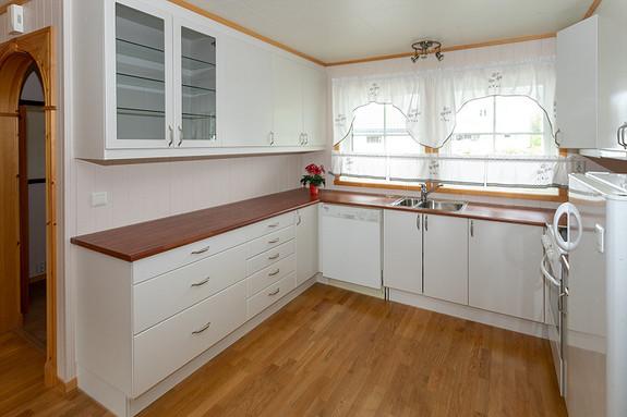 Godt med skapplass i kjøkken!