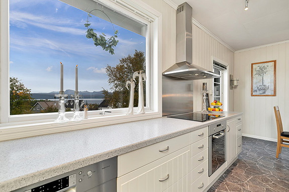2. etasje - Utsikt fra kjøkkenvindu